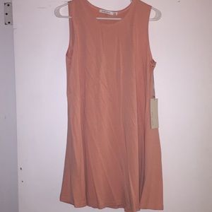 Dresses & Skirts - REVOLVE Melon colored sun dress from revolve. NWT